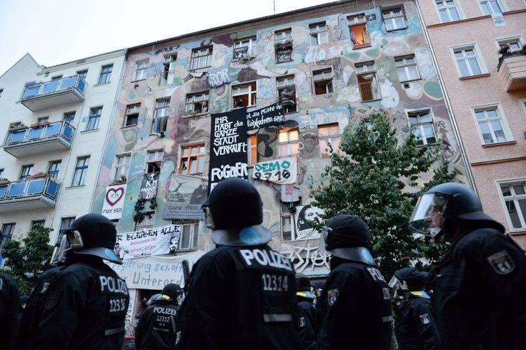 Der Polizeieinsatz zur Teilräumung des linken Berliner Wohnprojekts in der Rigaer Straße 94 war rechtswidrig. Das Berliner Landgericht bestätigte die Nutzungsrechte der Bewohner.