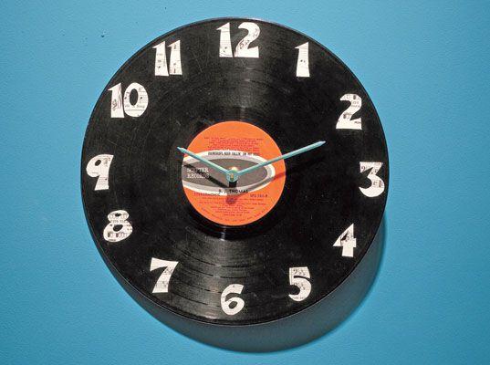 Creative DIY Wall Clock Ideas! - Upcycled old record album!