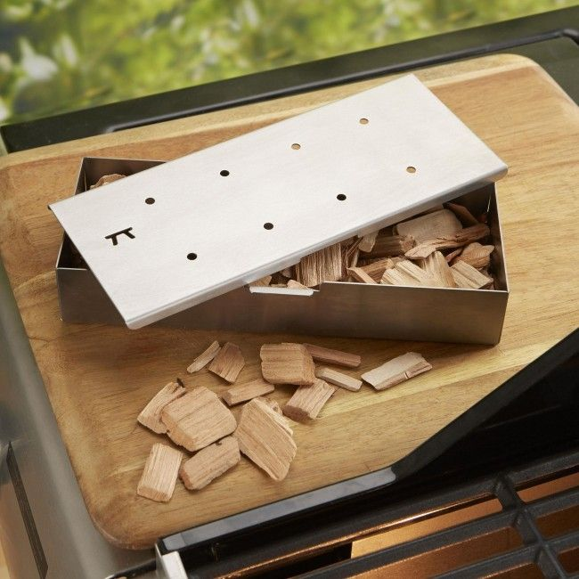 Make delicious smoked BBQ meat with the Outset BBQ Wood Chip Smoker Box.