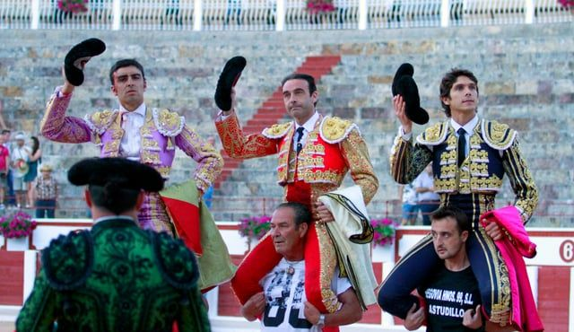 Primera de abono #Zamora2016 Toros de Alcurrucén Enrique Ponce, oreja y dos orejas. Sebastián Castella, ovación y dos orejas. Miguel Ángel Perera, oreja y oreja.