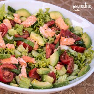 Salata de somon si avocado / Avocado & salmon salad - Madeline's Cuisine