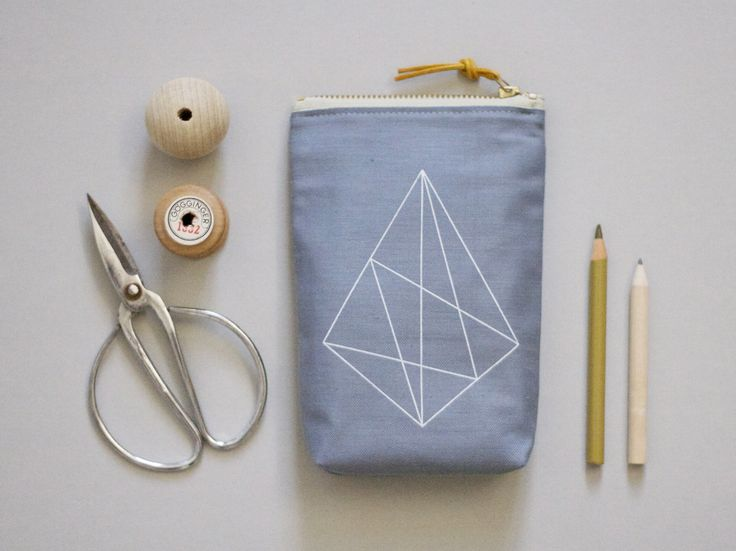 Screen-printed accessory bag by værsgo