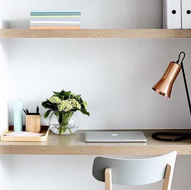 Nice little nook, I wish mine was as neat! This reminds me of spring, not too far away @bpmcorp #crisp @rossgardam light fitting sit by @derek_swalwell #mimdesign #mimdesignresidential #sunday