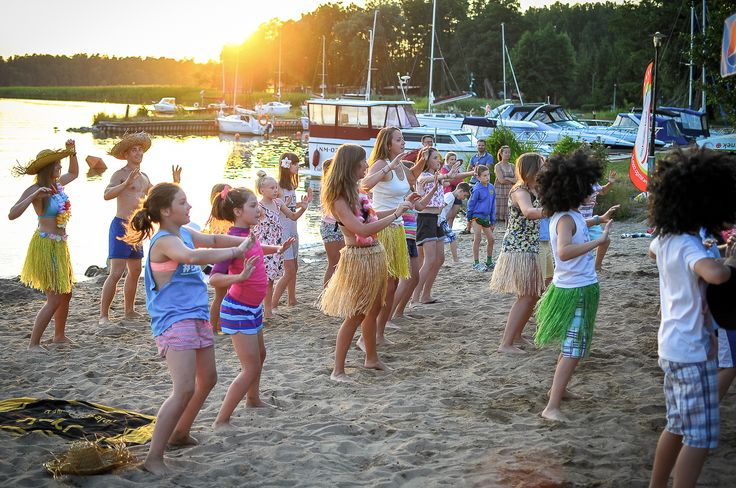 Obozy językowo-sportowe we współpracy z firmą Lets' Go! zaprasza szkoła językowa The Palms www.thepalms.edu.pl. Zapisy na www.letsgo.com.pl