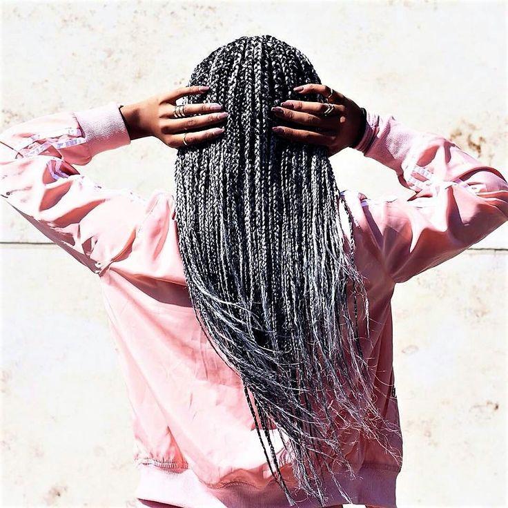Box braids longues au vent, en toute sérénité, elle a forcément fait confiance aux coiffeuses Be Nappy  Pour des box braids longues réalisées à la perfection  Rendez-vous sur www.benappy.fr/categorie-produit/box-baids-longues/   #nappy #afro #hair #benappy #hairstyle #black #noir #paris #france #black #blackness #blackhair #nappyhair #afrohair #afrostyle #naturalhair #braids #tresses #afrohair #nattes #cheveuxcrepus #afrohairtsyle #africanbeauty #curlyfro #coiffureadomicile #cheveu