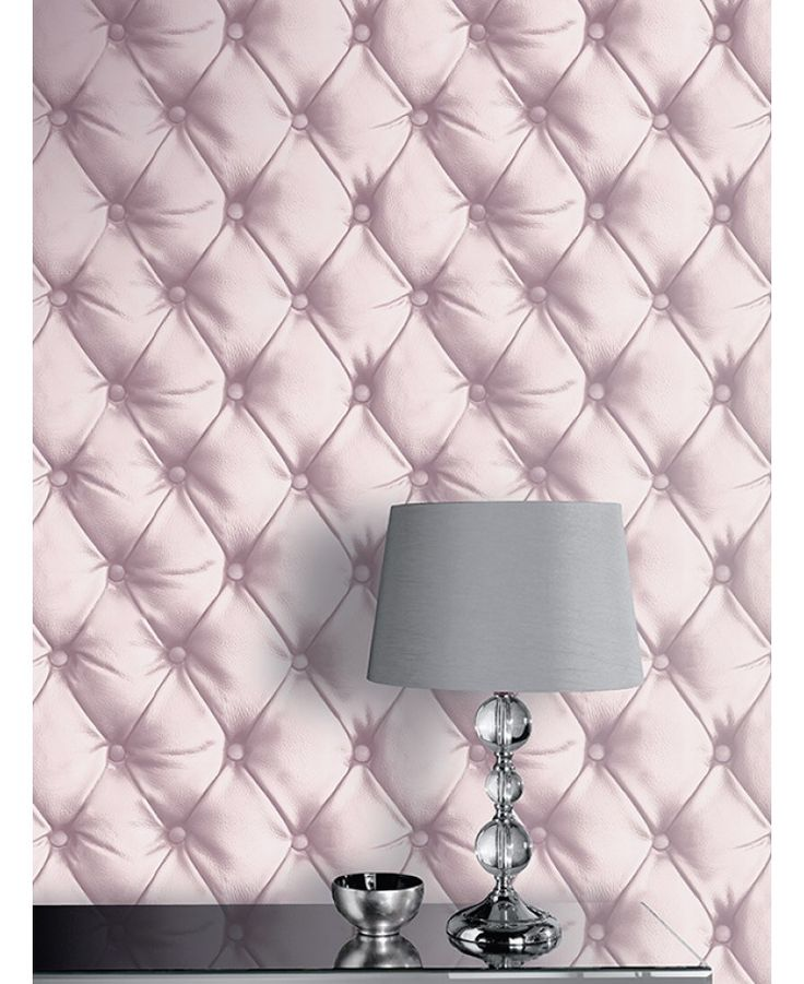 This fantastic Chesterfield Leather Effect Wallpaper will add a stylish finishing touch to any room. The high quality wallpaper recreates the look of a leather padded Chesterfield headboard in a soft blush pink, complete with realistic detailing and shading and a subtle metallic sheen finish