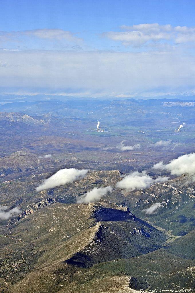 Πετώντας κοντά στην Μεγαλόπολη Φωτογραφία του Vasilis Porgiazis.