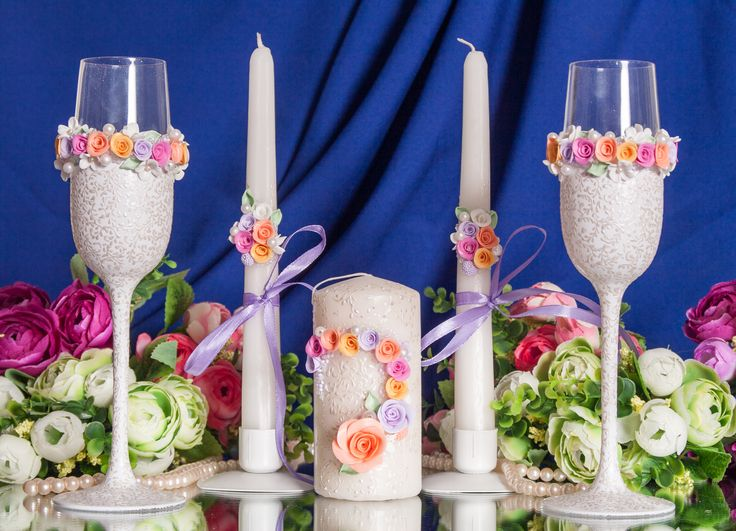 Комплект для яркой и веселой свадьбы. Декор: цветы из пластики,бисер, жемчуг, атласные ленты.#свадьба #атрибуты #аксессуары #комплект #ручнаяработа #soprunstudio