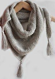 Nu is het dan toch echt herfst. Dezelichte, maar warme sjaal 125 x 55 cm)is gemaakt van superzachte wol(50% schuurwol/50% alpaca), zonder ...