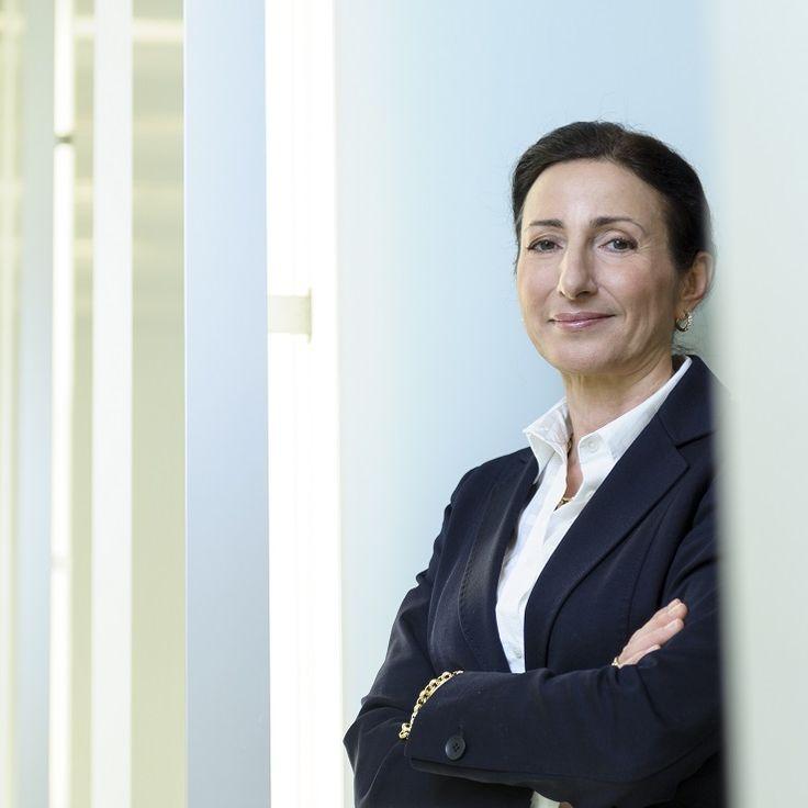 Milagros Caina Carreiro-Andrée es la primera mujer miembro de la Junta Directiva del grupo automovilístico BMW. Es responsable de personal y trabajo social, área de la que dependen cien mil trabajadores.