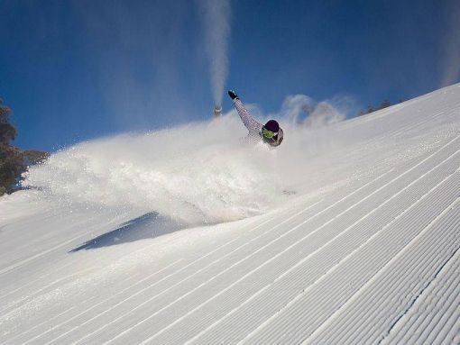 NZ Snow Tours - New Zealand Ski and Snowboard Blog - Amber Arazny Awesome Aussie Snowboarder