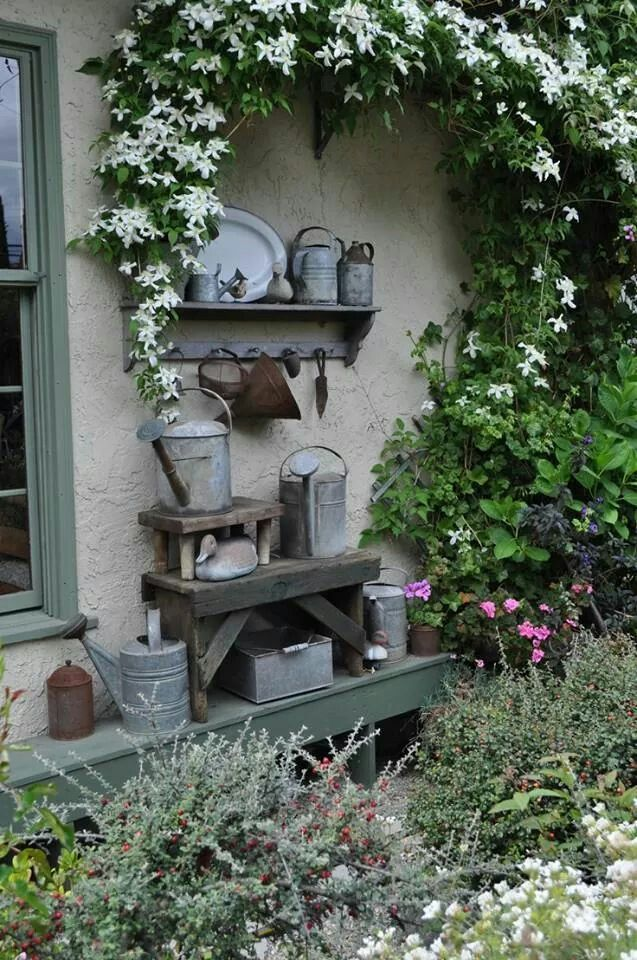 Wouldn't this sound lovely with the rain beating on it? (via Pin by Melinda Moore on Garden Accents   Pinterest)