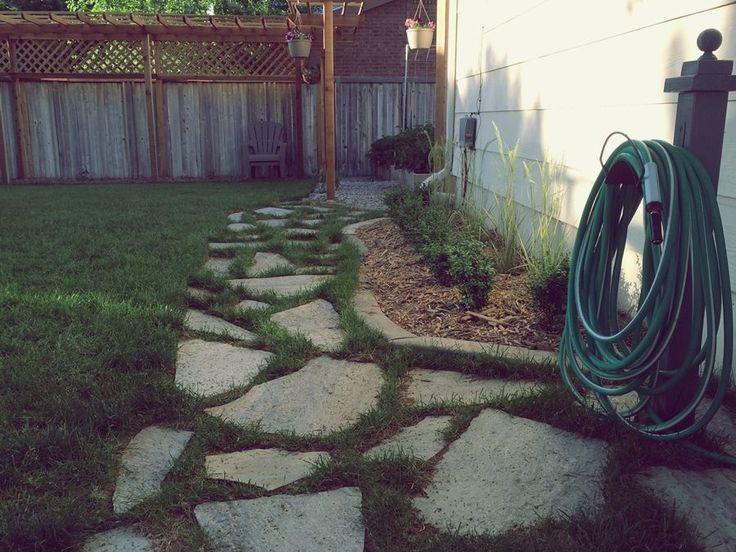Садовая дорожка: простой и экономный вариант из переработанных материалов. Пошаговая инструкция и полезные советы