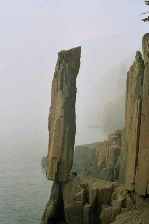 pierre en équilibre