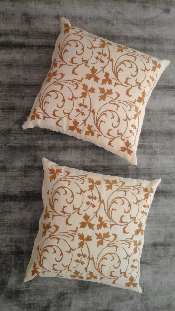 Couple cushions press rust By Pascucci 100% linen cm. 45 x 45 Color Ivory Price € 100.00 #cushions #pascucci #linen