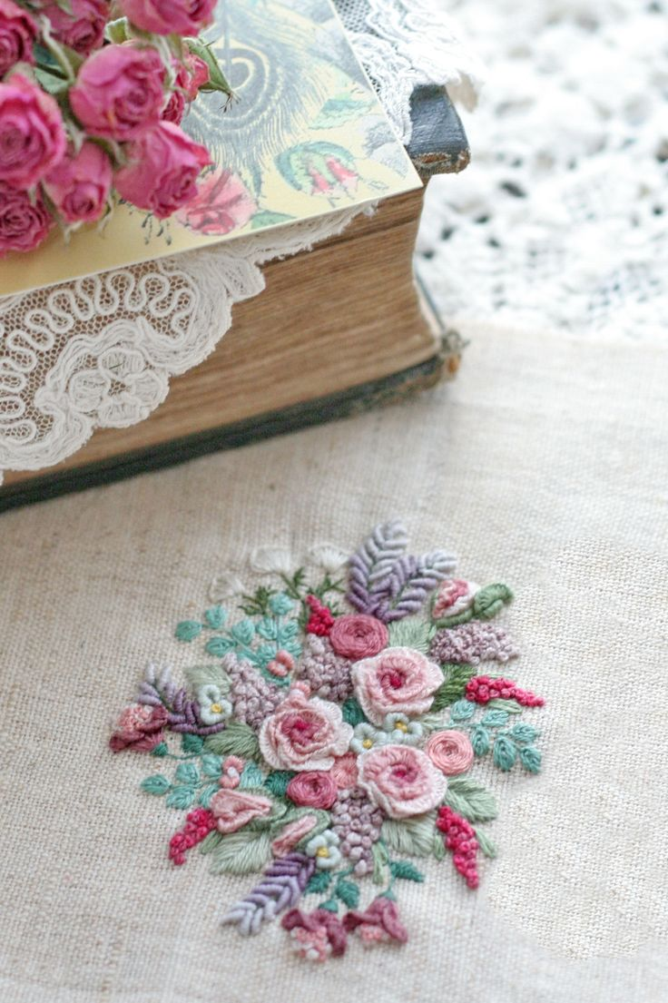 Ribbon embroidery bedspread designs - My Embroidery