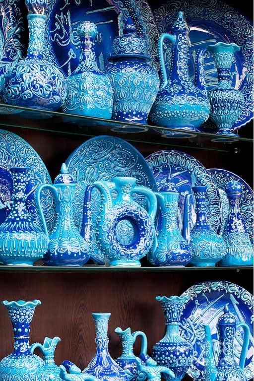 Turkish blue glazed pottery - Arasta Bazaar, Istanbul, Turkey