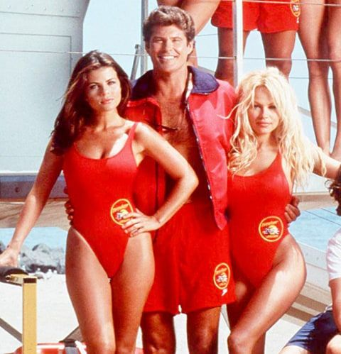 Yasmine Bleeth, and The Original Baywatch cast on 3D Slot Machine Game