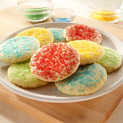 These are one of my favorite sugar cookies. I roll them completely in ...