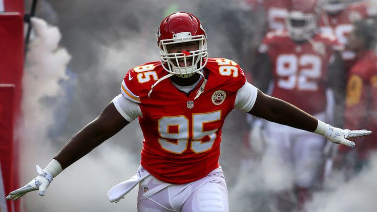 "Chiefs DE Chris Jones going to Arrowhead to set grilling record = They know a thing or two about grilling in Kansas City, and Chiefs defensive end Chris Jones is taking things to the next level. According to Sarah Gish of the Kansas City Star: ""At 6 p.m. Thursday, April 27, Smithfield will team up with two world-class barbecue pros and Kansas City Chiefs defensive end Chris Jones at Arrowhead Stadium to attempt….."