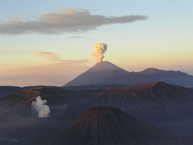 The Mahameru volcano - someday!