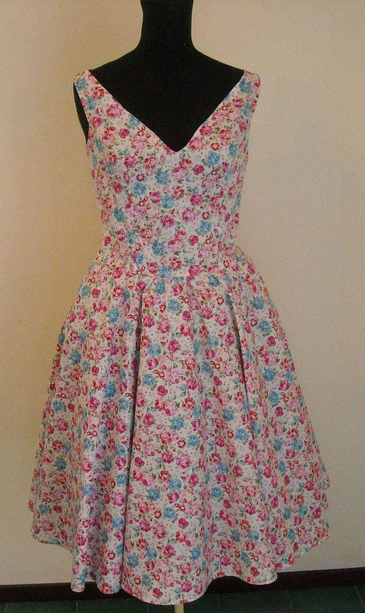 Abito floreale ,abito ispirato anni 50 da cerimonia,abito estivo,abito da cocktail,abito da damigella vintage ispirata,abito su misura , di MAQUELLA su Etsy