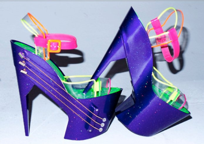 Futuristic shoes - I bet I can find earrings to go with these!
