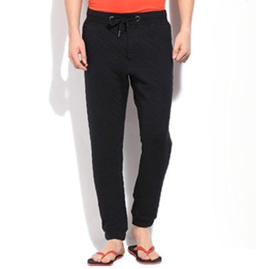 Super comfy black track pants gets a trendy new look with smarter fit made in dye sublimation. Enjoy bulk purchase from global supplier, Oasis Sublimation.