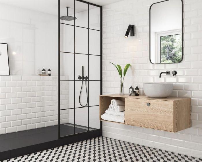faience salle de bain à design briques blanches, meuble ...