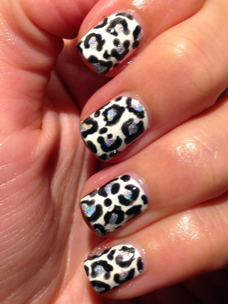 Polish My Pretty Nails: Monochrome Leapord Print ..with a hint of Rainbow!