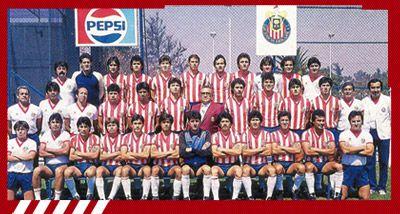 """Noveno campeonato: 1986-1987 [Chivas 1- Cruz Azul 2, Chivas 3 - Cruz Azul 0] Guadalajara: """"Zully"""" Ledesma, Sergio Lugo, Demetrio Madero, Fernando Quirarte, José """"Pelón"""" Gutiérrez, Guillermo """"Wendy"""" Mendizábal (Manuel """"Pituko"""" López 39´), José Manuel """"Chepo"""" de la Torre, Omar Arellano, Concepción """"Concho"""" Rodríguez, Eduardo """"Yayo"""" de la Torre y Luis Antonio """"Cadáver"""" Valdez (Alejandro Guerrero 76´). Entrenador, Alberto Guerra."""