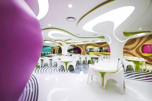 Voici ce qui arrive quand Karim Rashid dessine un restaurant