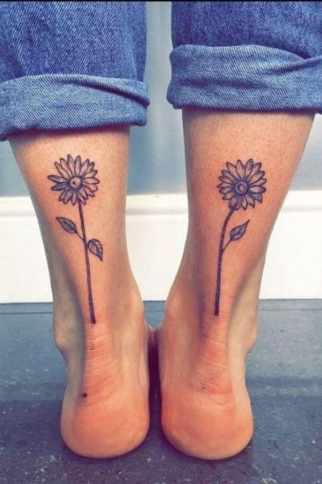 35 tatuagens femininas para a panturrilha | Tatuagem feminina panturrilha, Tatuagem de girassol, Tatuagem na perna