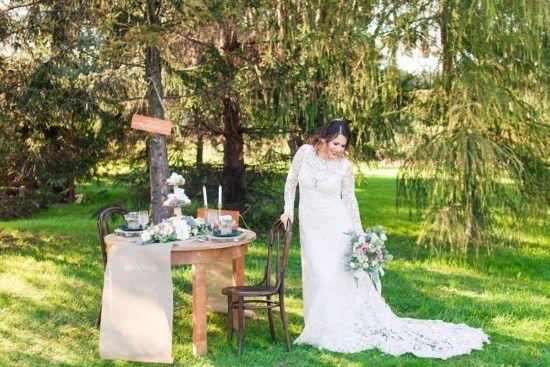 styled wedding photo shoot summer judyta marcol, details, wedding details, colours for wedding, invitation, wedding invitations, cards, floral, natural colours, green, soft wedding, stylizowana sesja ślubna, fotografia ślubna, sesja w lesie, dodatki do sesji fotograficznej, dodatki do sesji ślubnej, zaproszenia ślubne, piękne zaproszenia ślubne, panna młoda, piękna panna młoda, dodatki na ślubie, suknia ślubna