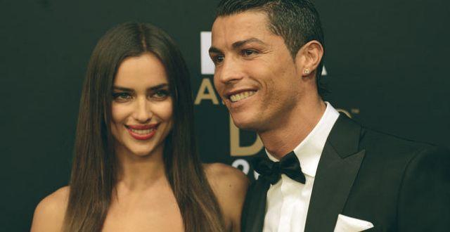 Irina Shayk and Cristiano Ronaldo — Best couples in the world | #celebritiesathome #celebrityhousepictures #starshomes | See also: http://www.celebrityhomes.eu/?utm_source=weblog_post&utm_medium=image&utm_campaign=1imagem1000inspiracoes&utm_content=chSpeixoto