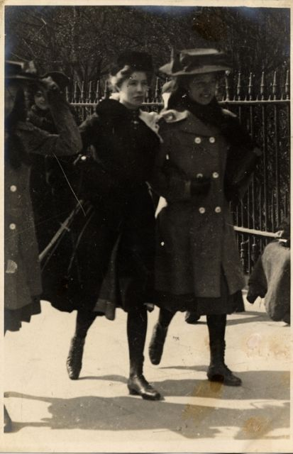 Notting Hill, North Kensington, London (4 April 1906)