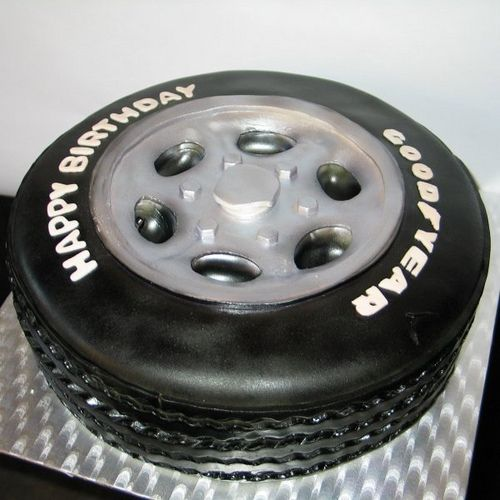 Du caoutchouc mangeable par RDPJCakes. Retrouvez nos pneus Goodyear sur notre site : http://www.1001pneus.fr/Pneus-Par-Marque/GOODYEAR.html