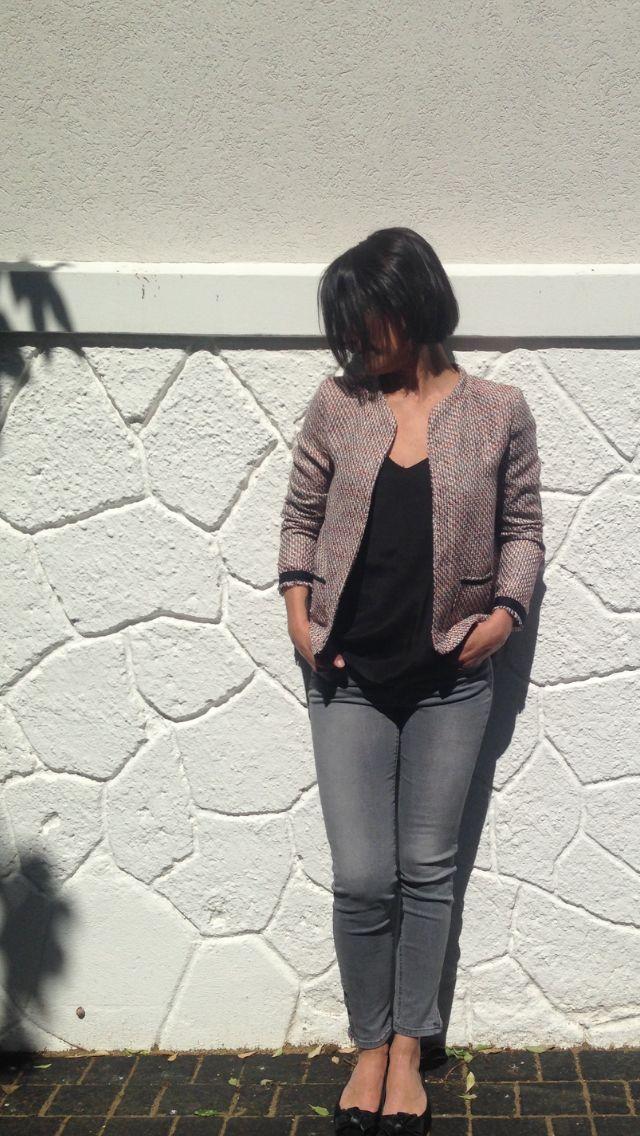 L'histoire ? En voyant la sublimissime veste de @mademoisellemblog, j'ai voulu jouer à la couturière pro et me la faire aussi. Cette veste est à la base le gilet monceau Patron gilet Monceau. Mais …