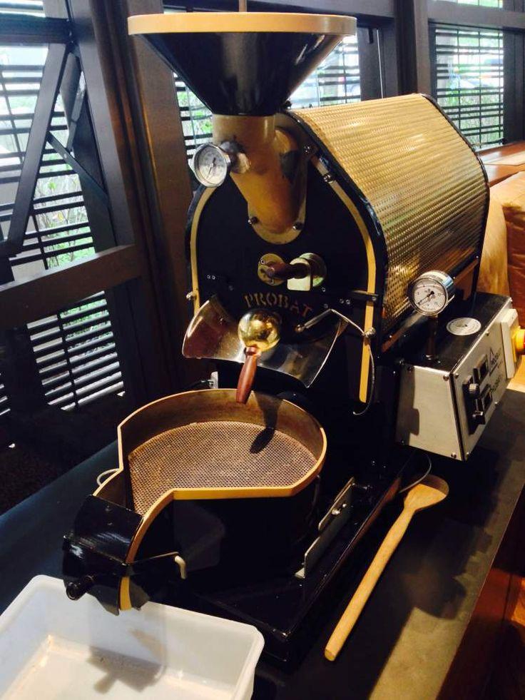 Probat roaster https://aventurasdabarista.wordpress.com/2015/12/05/octavio-cafe-sao-paulo/