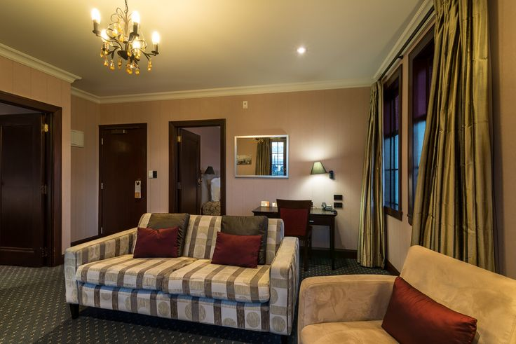 Two Bedroom Heritage Suite http://www.thecrownnapier.co.nz/accommodation/heritage_suites/two_bedroom_suite/index.htm