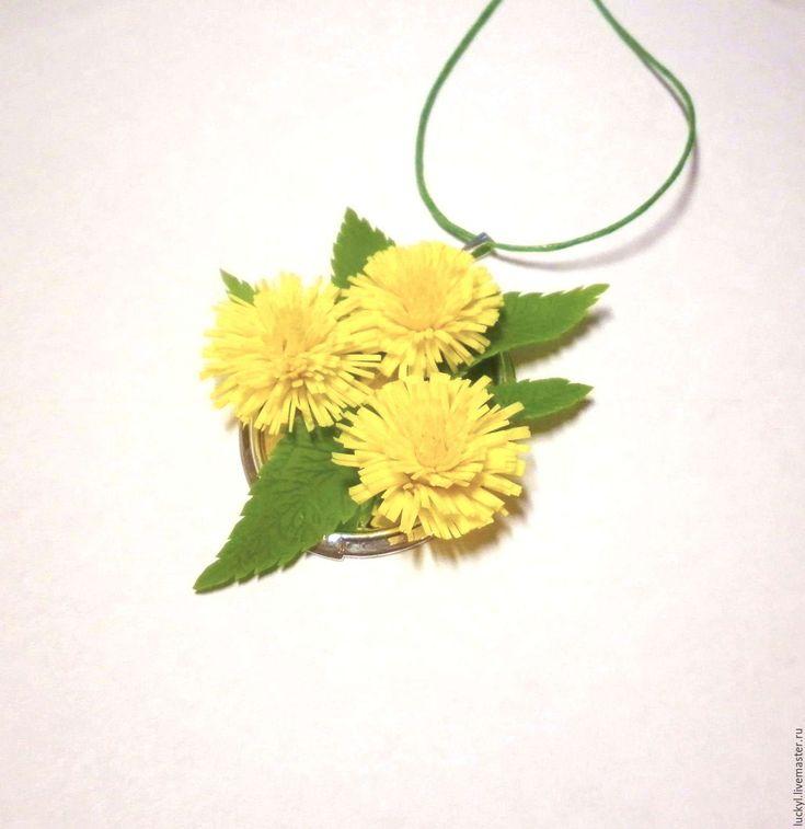 """Купить Цветочный кулон """"Солнышки"""" (одуванчики, кулон с цветами) - желтый…"""