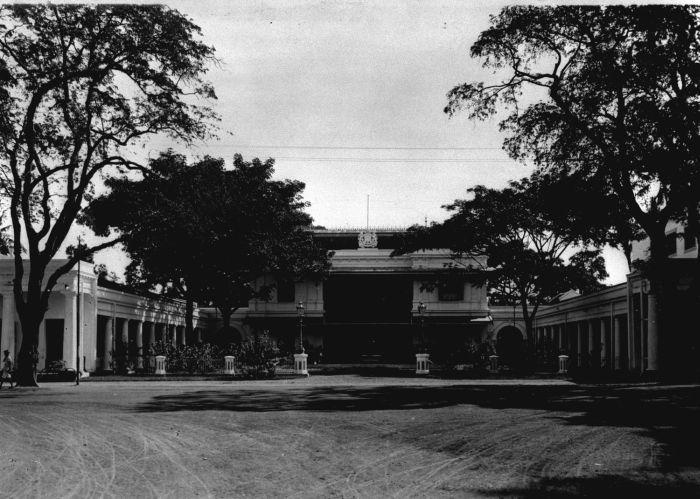 COLLECTIE TROPENMUSEUM Het Gouverneurshuis te Makassar