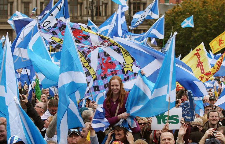 Scottish Independence Rally Draws Thousands To Glasgow's George Square (Pictures)