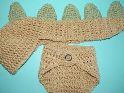Newborn Baby Dinosaur Hat and Diaper Cover Crochet Set.  FREE Pattern!