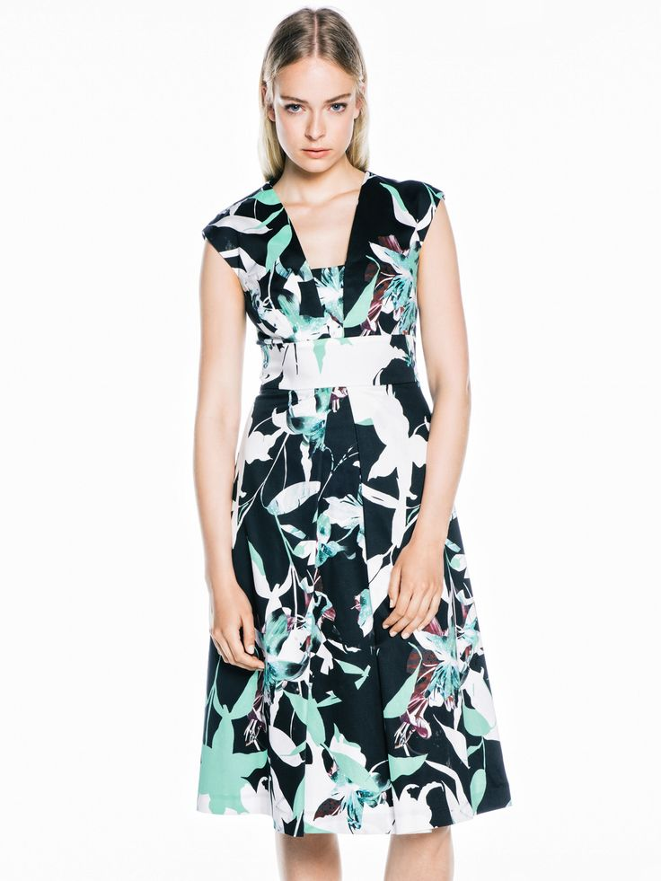 Abstract Tropical Full Dress