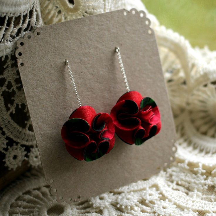 Cuties earrings red/black via ACCE, 35 €. Click on the image to see more!