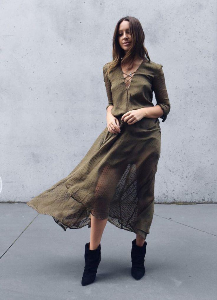 шелковое платье цвета хаки