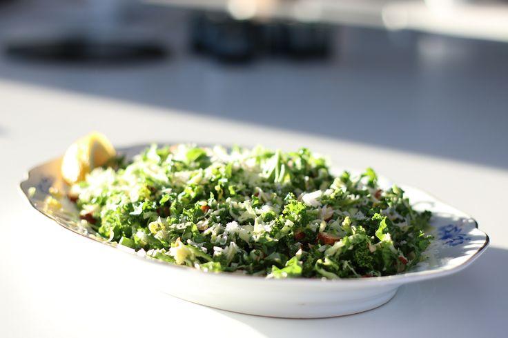 Bryssel- och grönkålssallad - Uplifting - allt om god mat - recept, tips, restauranger, dryck