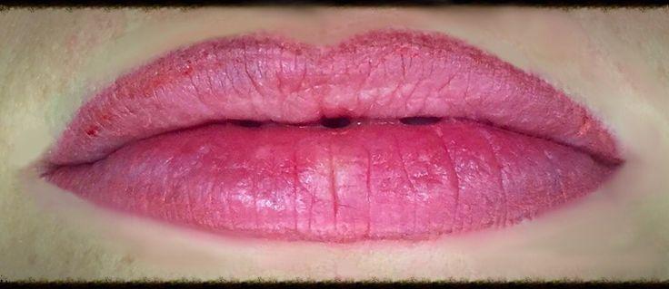 Labbra con sfumatura, trucco permanente