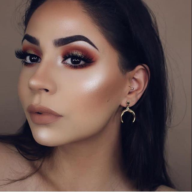 WEBSTA @ makeupaddictioncosmetics - ✨✨ @dianamaria_mua used our #flaminglovepalette and our #meadowpalette to achieve this flawless masterpiece! Shades used. Sweet PeachAmber Dusk Bronze Leaf Flaming Kisses#makeupaddictioncosmetics
